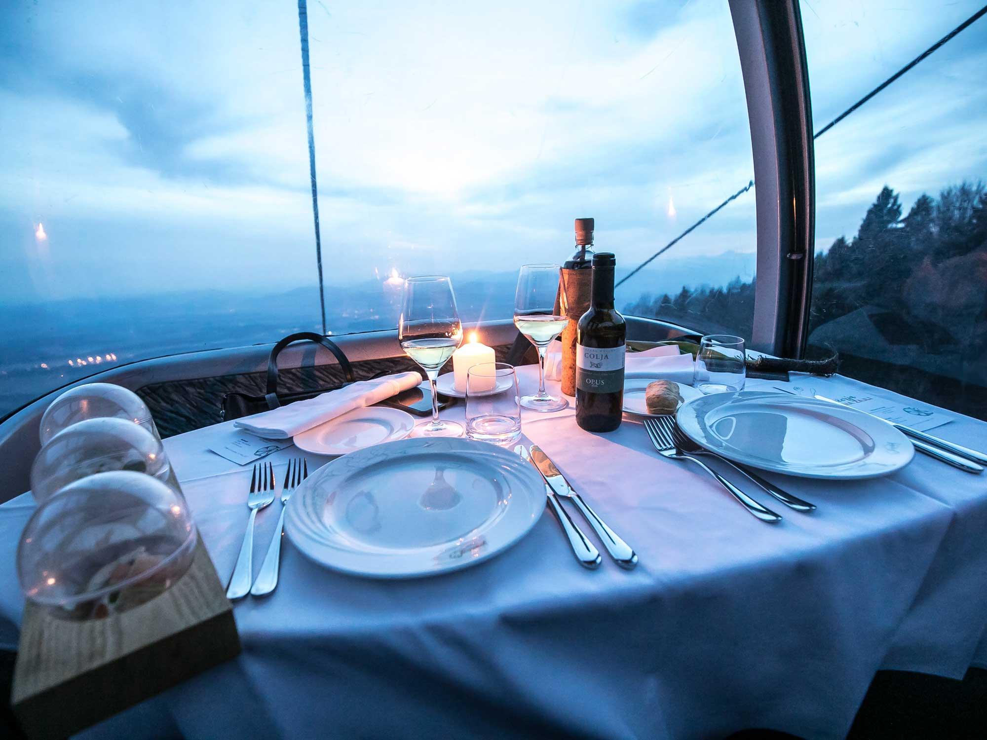 Butična restavracija visoko nad tlemi