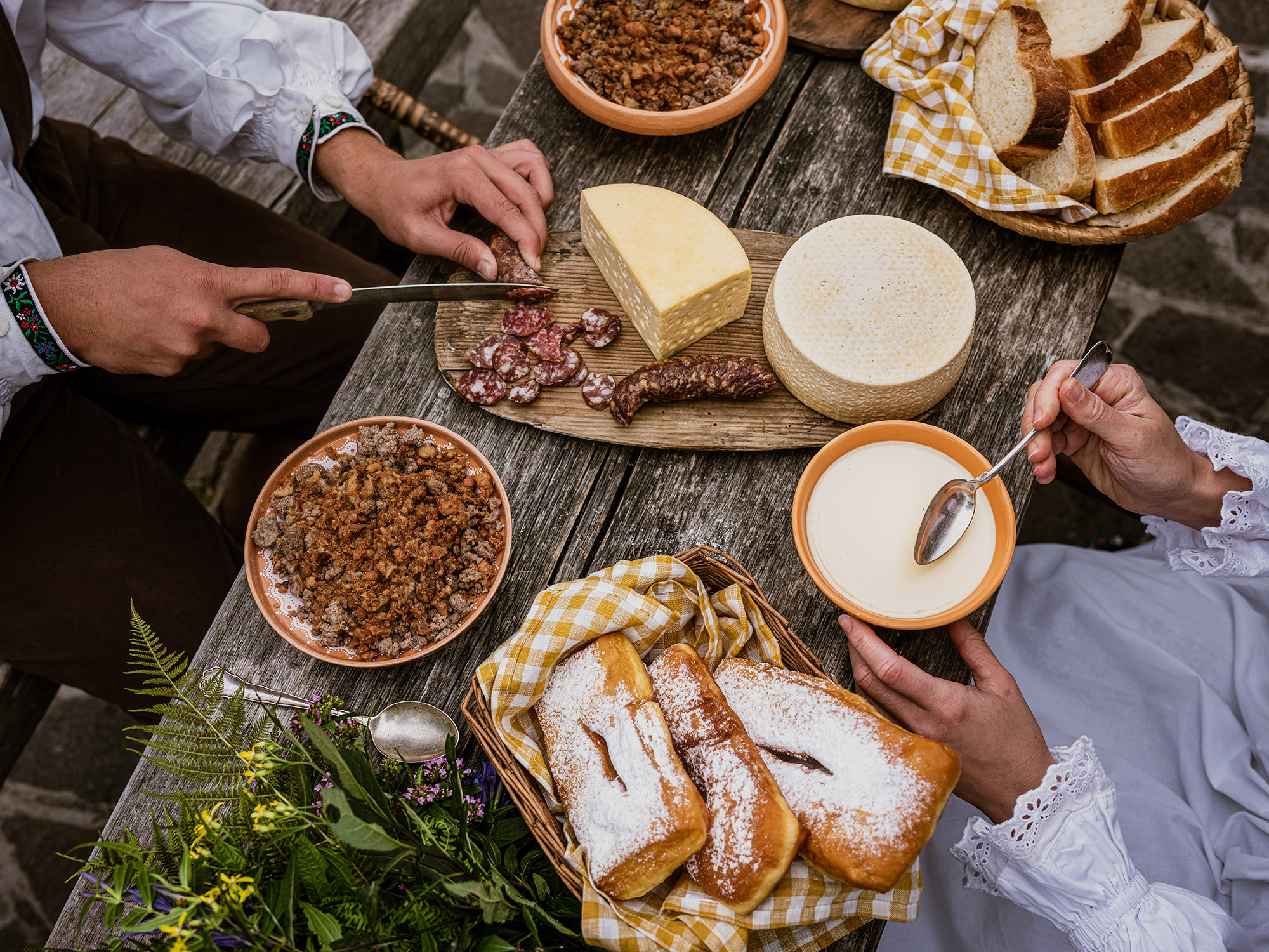 slovenska hrana na Veliki planini