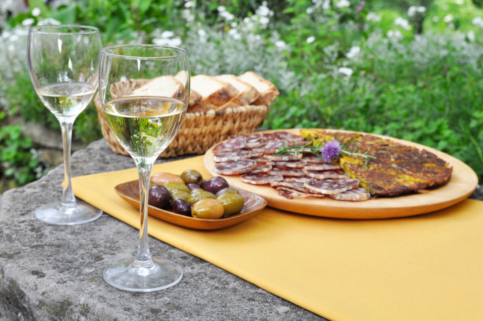 Frtalja, olive in vino